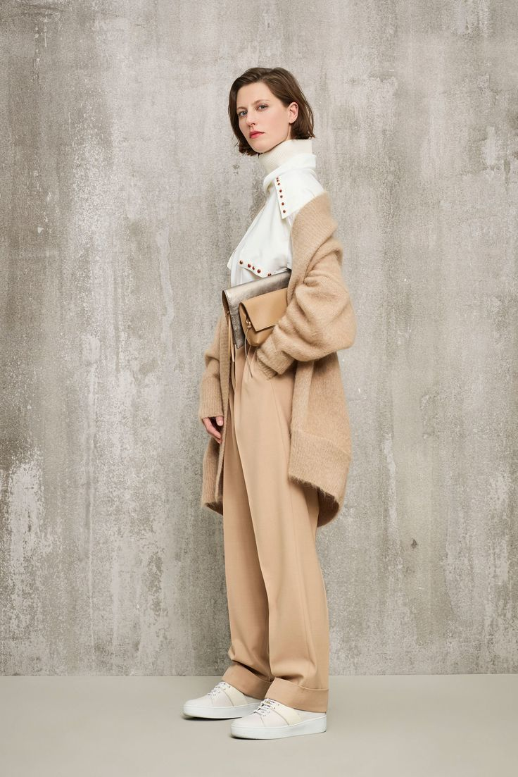 Agnona Pre-Fall 2018 Collection Photos - Vogue
