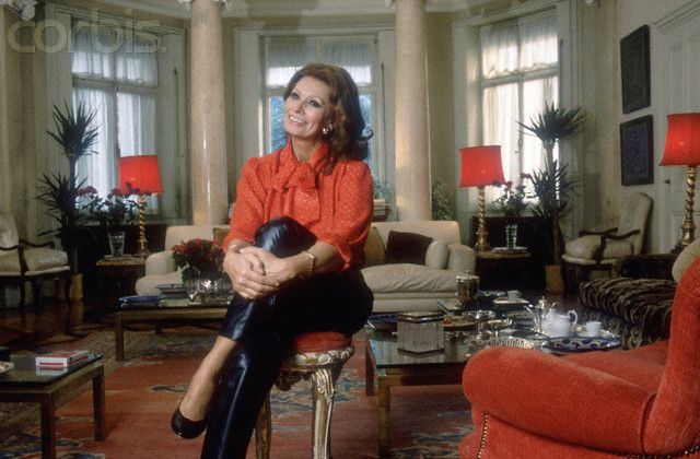 Italian Actress Sophia Loren relaxes in her living room at ...