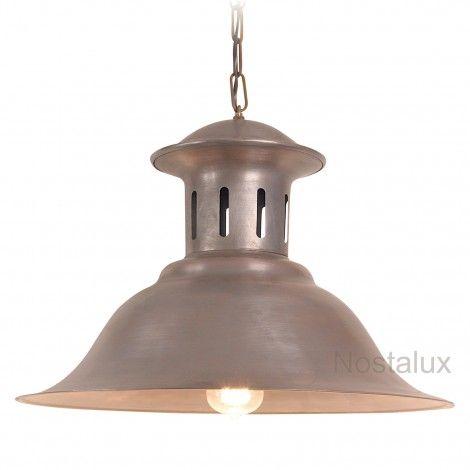 Hanglamp Maxime L   Robuuste kettinglamp wordt geleverd met een messing ketting. De deksel is in een hoogwaardige kwaliteit koper uitgevoerd. De lamp beschikt over een E27 fitting en is dus LED geschikt. Staat prachtig onder bijvoorbeeld een veranda of prieel. Ook zeer geschikt voor uw buitenkeuken. Al onze producten zijn CE gekeurd.