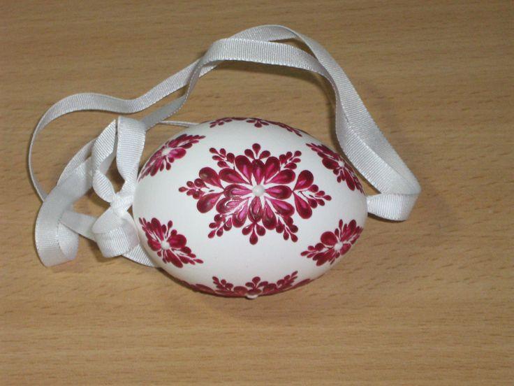 kraslice a svíčky: kraslice slepičí - bílý podklad červeně malované