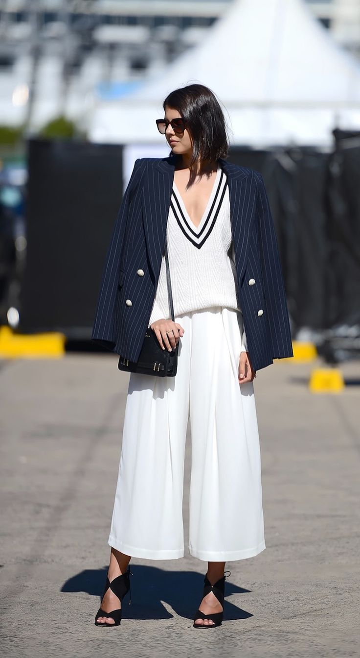 navy and white on the streets in Sydney. #MBFWA