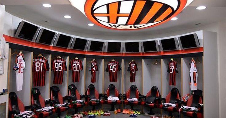 Ada Maling di Ruang Ganti AC Milan -  http://www.football5star.com/liga-italia/ac-milan/ada-maling-di-ruang-ganti-ac-milan/