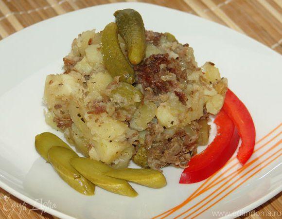 Картофель с тушеной говядиной в мультиварке