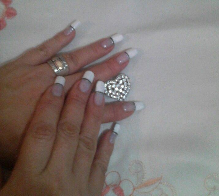 Mis uñas en gel..,k me realice yo con un decorado muy clasiko...