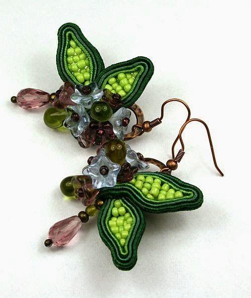 Larris handmade soutache and OOAK: Flower soutache earring