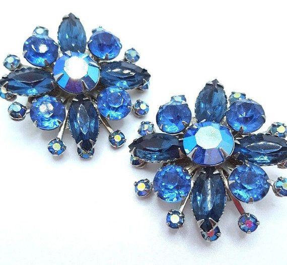 Vintage 1950s 1960s Blue Bead Clip Earrings
