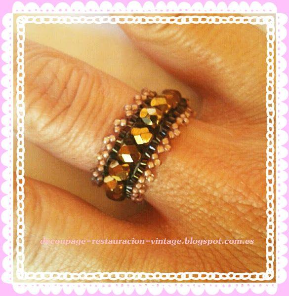 Dos anillos  con cuentas miyuki, rocalla y facetadas