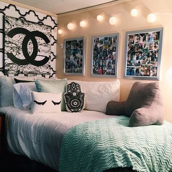 17 best ideas about dorm room pictures on pinterest dorm picture collages dorm photo walls - Ideas for room decoration ...