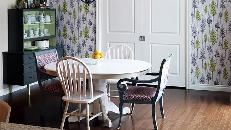 My wallpaper feature and tips on how to score the best pieces to upcycle for your home at HOSS Magazine.