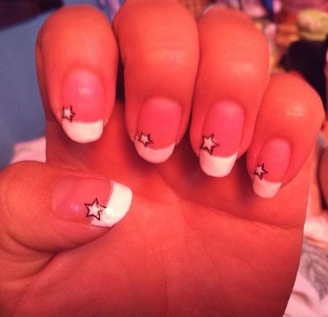 #manicure #nail #그램 #natural #nailsart #nailsdesing #desing #uñas #diseño #nailsfrance #star #stickers #네일 #아트 #네일아트 #인스타 #스티커네일 #네일디자이니 #프렌지네일 #