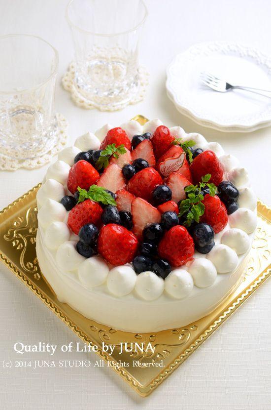 JUNA『いちごとブルベリーのデコレーションケーキ』