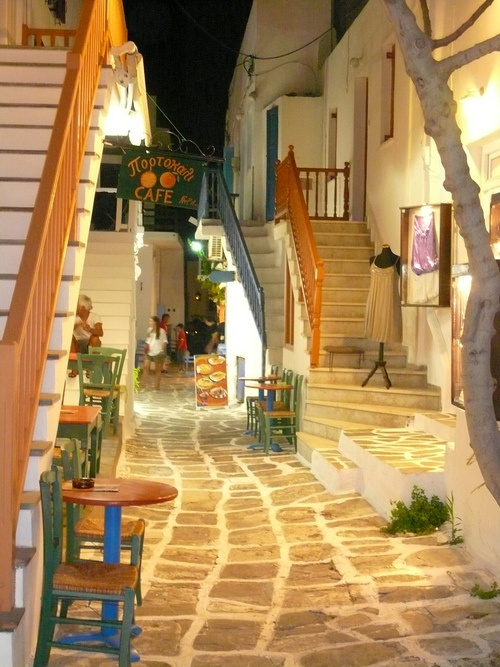Paros Photos :: Meet Greece at night. The classic, and the modern, in one island :: Paros, Greece