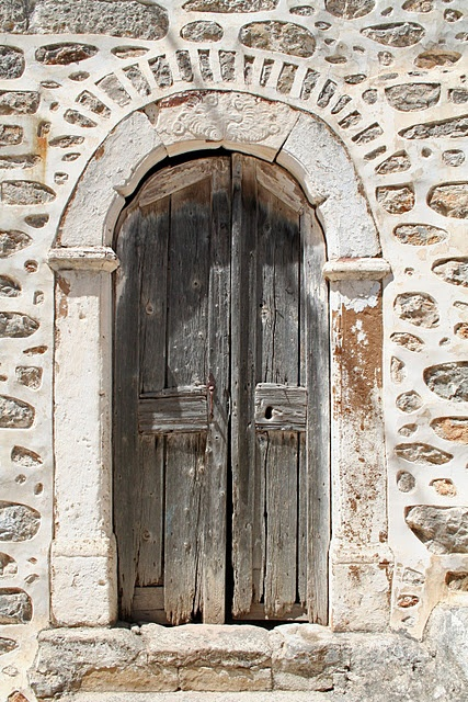 Door in Chios, Greece Photo by ConnyvdHvL