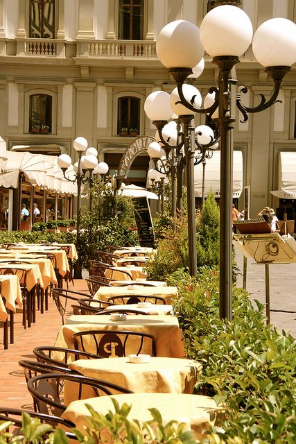 Italian Florence: Outdoor Cafe' - Florence, Italy