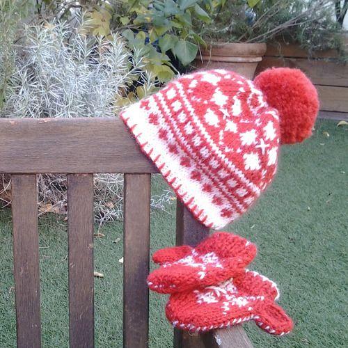 bonnet bébé jacquard rouge et blanc et moufles taille naissance- 3 mois 3c675de4e33