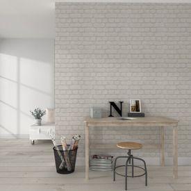 Laissez-vous tenter par ce magnifique intissé BRIQUES METAL !  En parfait trompe-l'oeil, il pare vos murs de belles pierres blanches. Le résultat est lumineux et très réaliste ! Ce papier peint s'inscrit dans la tendance atelier, qui mêle modernité et authenticité des matériaux bruts.