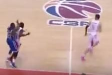 Jason Maxiell Takes a Swing at CBA Defender After Hard Foul, Opponent Runs Away