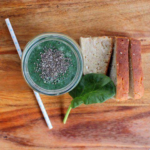 žaliasis kokteilis su bananų duona