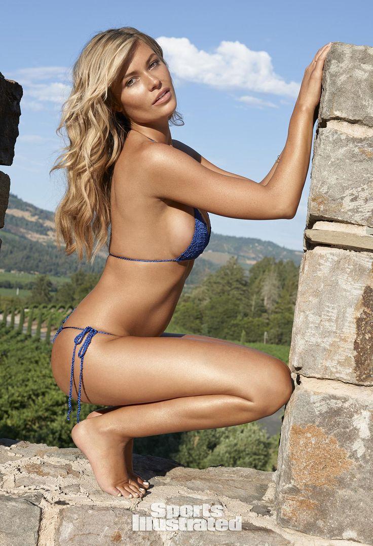 Samantha Hoopes Swimsuit Photos, Sports Illustrated Swimsuit 2015