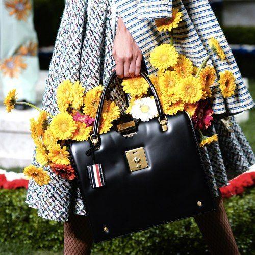 Moda floreale: come sceglierla e come indossarla