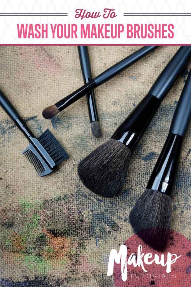 How To Wash Makeup Brushes With Dish Soap, check it out at http://makeuptutorials.com/how-to-wash-makeup-brushes/