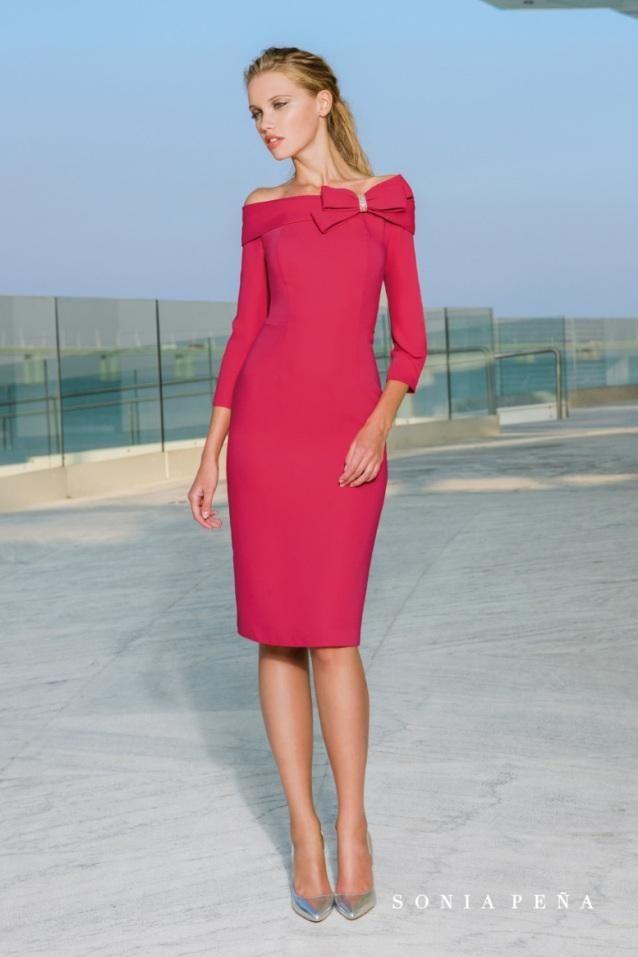 c4dc93acb6 Vestido de coctel en color rojo con manga francesa de Sonia Peña 1180031