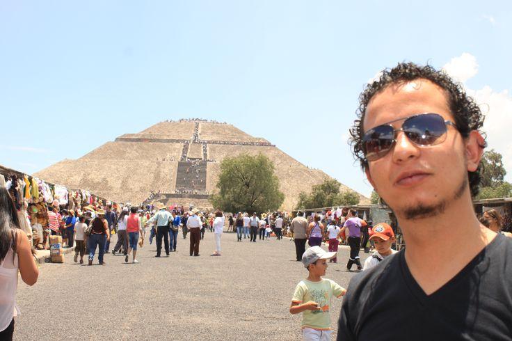 Teotihuacan Piramide del Sol - México