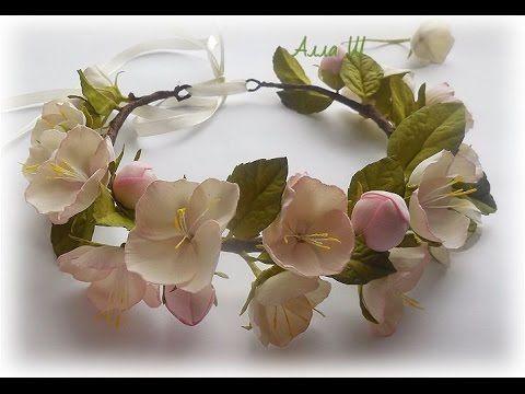 МК Как сделать венок из весенними цветами.
