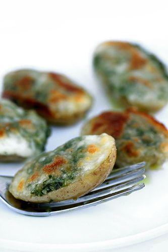 Patatine novelle con pesto di prezzemolo e mozzarella