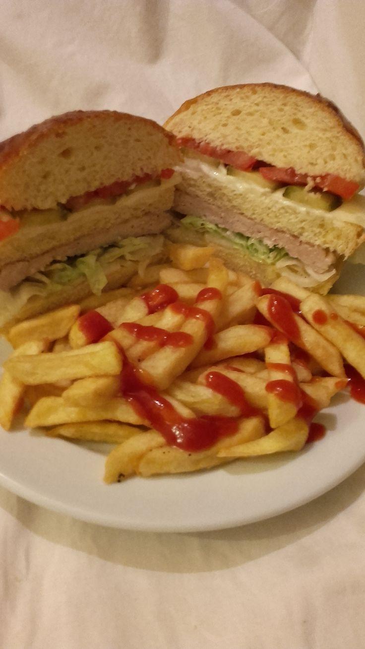 Hamburger - csirkehúspogácsával