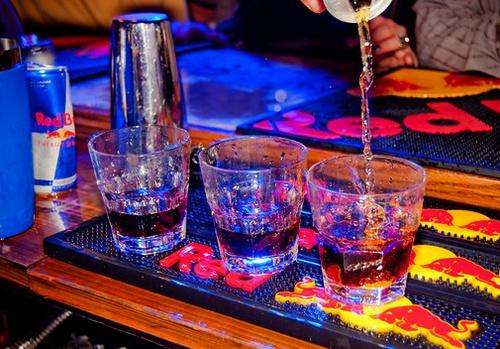 STATUS DE SABADO : drinks drinks drinks drinks