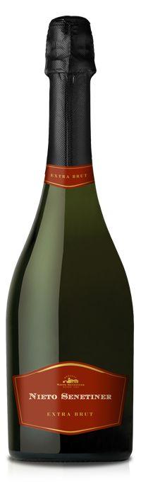 Pinot Noir NV espumoso extra brut *Nieto Senetiner* - Bodega Nieto Senetiner, Luján de Cuyo, Mendoza, Argentina --------------------- Terroir: Luján de Cuyo - Mendoza, Argentina ----------------- Método Charmat