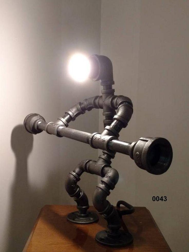 Industrierohrlampe; Rohrlampe; PipeMan; Roboter Lampe; Schreibtischlampe; Tischlampe; Hantel; Akzentlampe