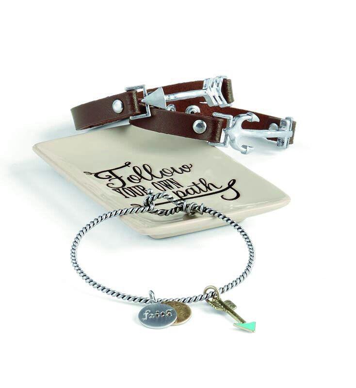 Thirty-One Keepsake Tray, Adore Bracelet, Charms, and Leather Icon Bracelet #jewelrycase www.mythirtyone.com/apeterson86