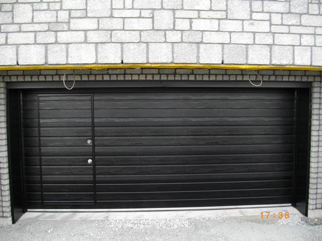 porte de garage avec porte pieton