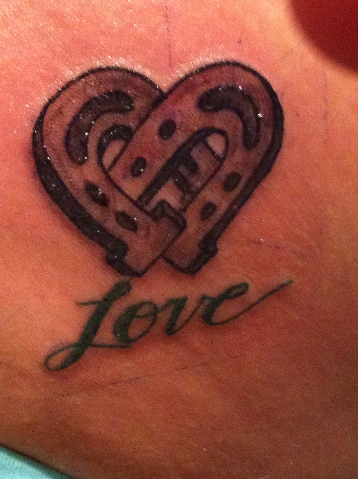 Horseshoe heart tattoo on my hip! :D | Body Art ...