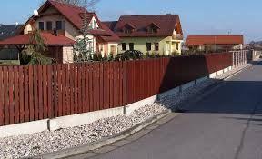 Výsledek obrázku pro dřevěný plot levně