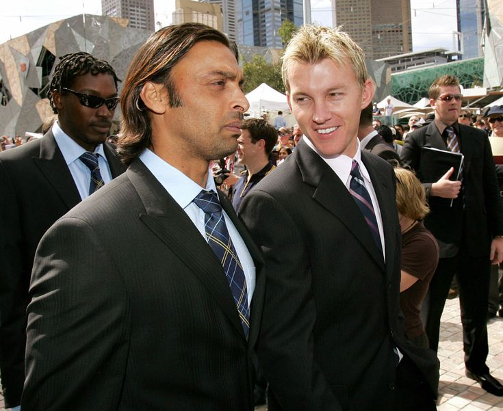 Shoaib Akhtar and Brett Lee, the world's fastest bowlers