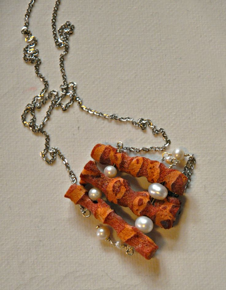 Nacklace with coral ,pearls and stainless steel