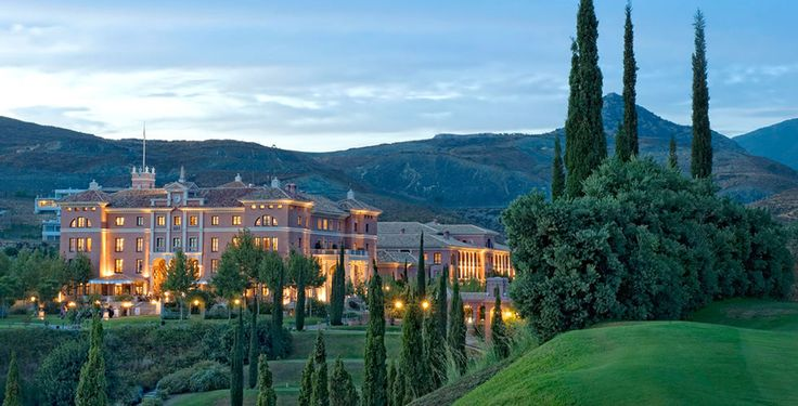 Verbringe 2, 3, 5 oder 7 Nächte im 5-Sterne Hotel Villa Padierna Thermas in Carratraca, im Herzen der Sierra Blanquilla. Im Preis ab 449.- sind das Frühstück, der Eintritt zum Wellnessbereich sowie der Flug inbegriffen.  Buche hier das tolle Ferien Angebot: http://www.ich-brauche-ferien.ch/ferien-in-malaga-inklusive-flug-und-hotel-fuer-nur-449-buchen/