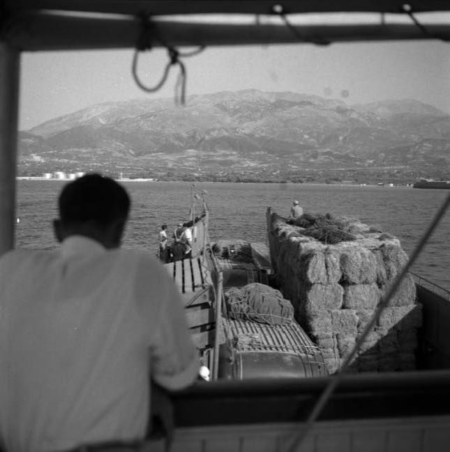 Robert mc Cabe περνά το ΡΙΟ-Αντιρριο 1954 με φέρρυ και βγάζει όμορφες φωτογραφίες