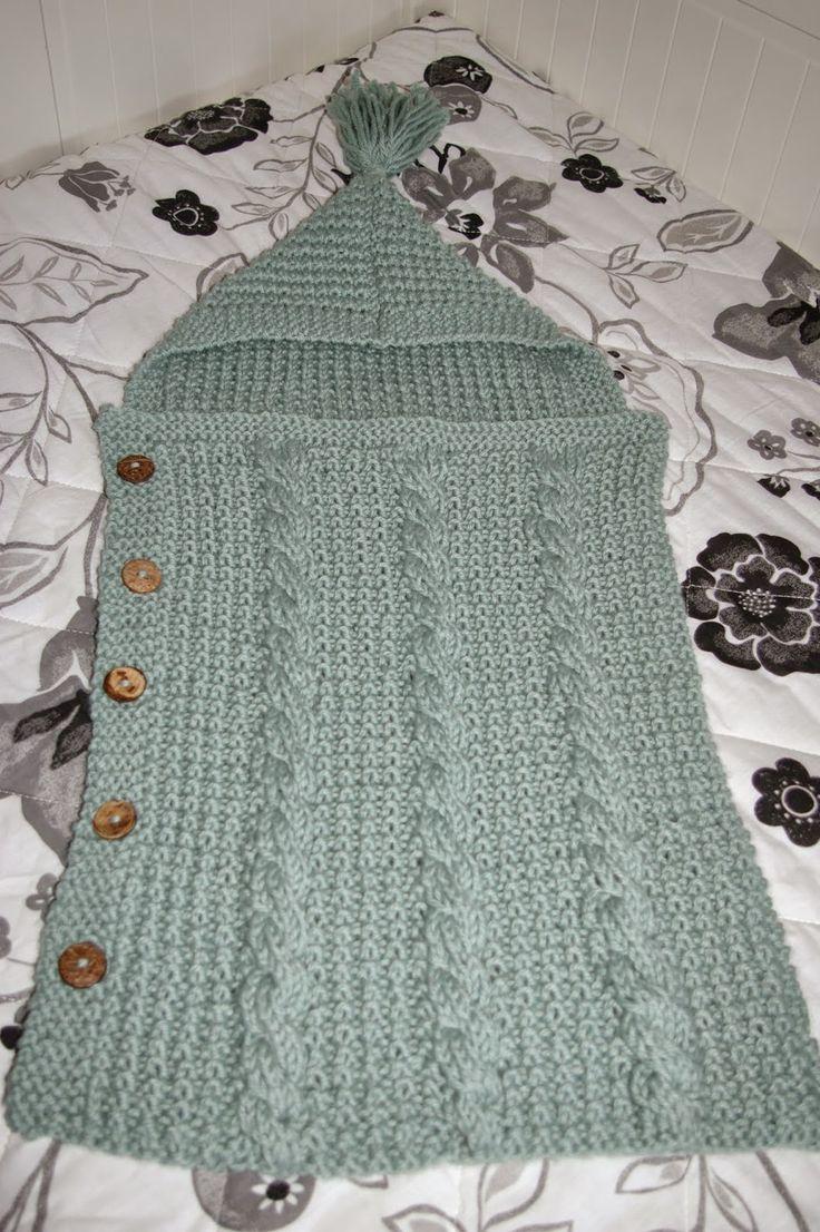 """Una labor bonita, sencilla de tejer y estupenda para regalar es una """"saquito de bebe"""" para abrigar a los ás pequeños de la casa.  Aqui les..."""