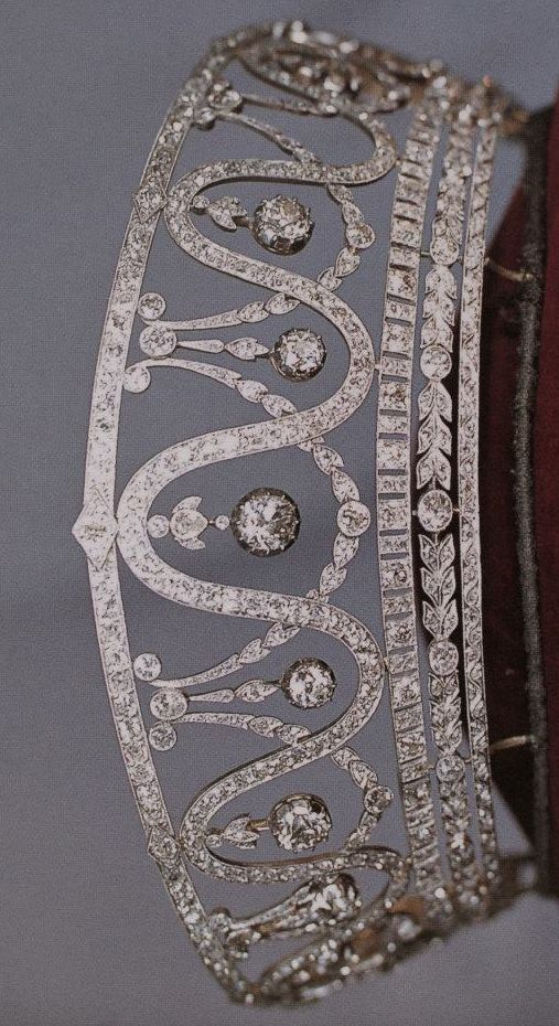 The diamond belle epoque kokoshnik of Grand Duchess Hilda of Baden. Made by Schmidt Staub of Pf0rzhiem 1907, designed as a series of garlands and alternating undulating diamond band, hung with large, suspended diamond spacers from a top band of diamonds; and connecting at the bottom to a base of three different cuts of diamonds. Purchased by Badisches Landesmuseum in 1984 and on display to the public in Karlsruhe.