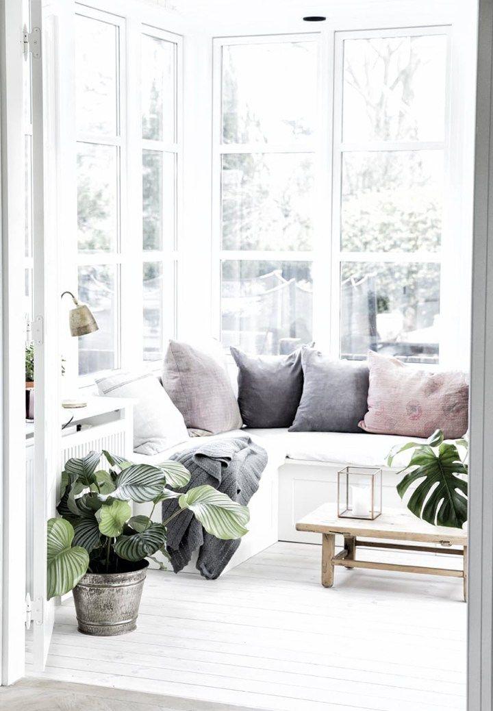 Post: Mucha luz natural y tonos empolvados --> blog decoración nórdica, decoración calmada misterio, decoración luz natural, estilo nórdico, muebles de diseño, tonos empolvados decoración, villas de lujo, villas en copenhague