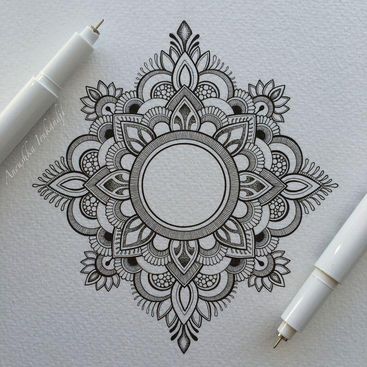 Best 25 mandala tattoo ideas on pinterest lotus mandala for Small art drawings