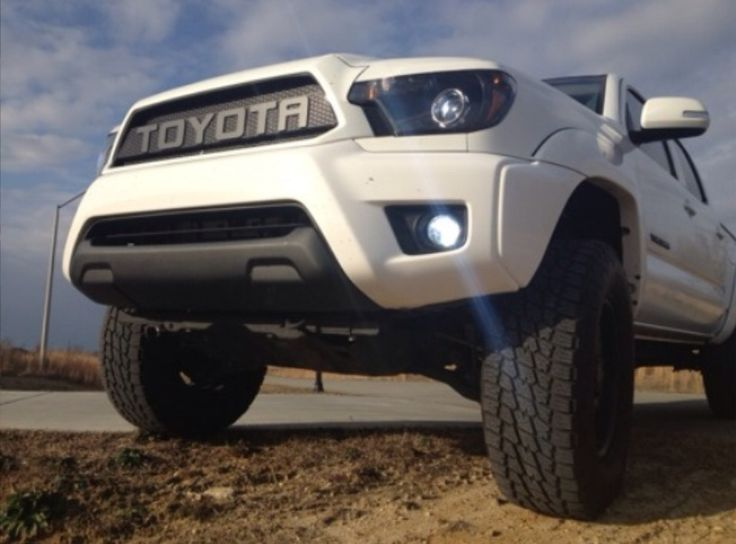 2013 Toyota Tacoma custom... love that front.