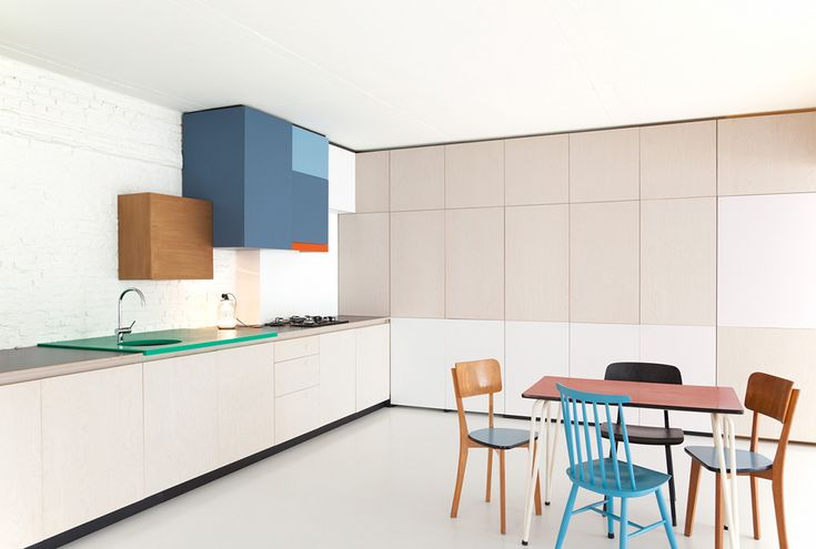 Dries Otten is a young Belgian furniture designer, interior architect and scenographer committed to colourful and joyous kitchen joinery.