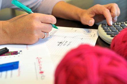 Wie man Microsoft Excel nutzt, um Strickschriften und Farbmuster zu erstellen - mit passender Excel-Tabelle zum Download.
