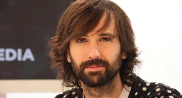 David Otero Martín (Madrid, 17 de abril de 1980) es un cantante, guitarrista y compositor español. Fue miembro del grupo de pop rock El Canto del Loco (1994-2010). Tras iniciar su carrera en solitario al principio firmó sus discos como El Pescao, y en la actualidad con su propio nombre, David Otero.David Otero - Loco de Amor...