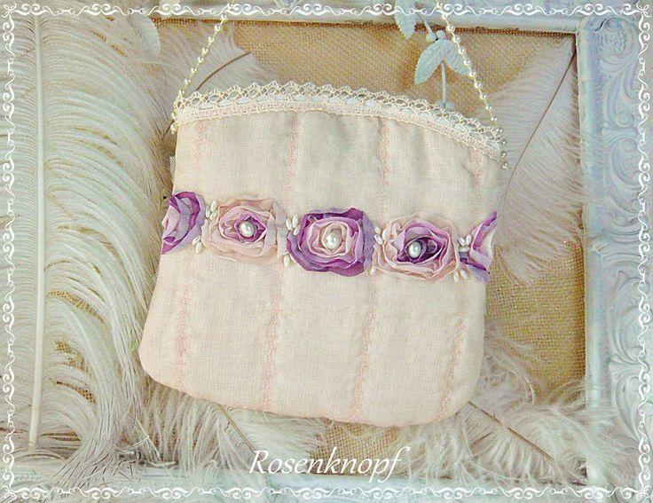 Brauttasche MARRY ME Handtasche aus Seide in Puder und Rosen mit Perlen bestickt